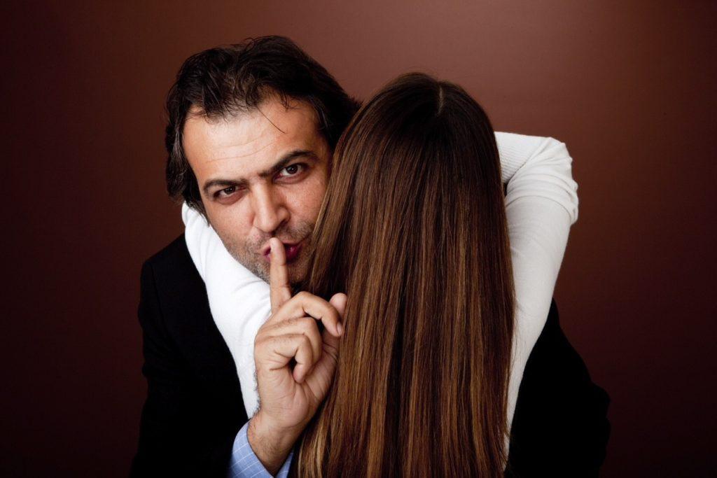 Чего не стоит делать жене после измены мужа - Советы психолога.