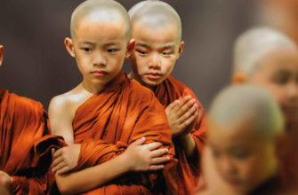 Маленькие мальчики буддисты